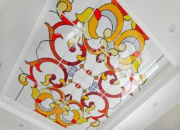 Световые потолки с классическим узором
